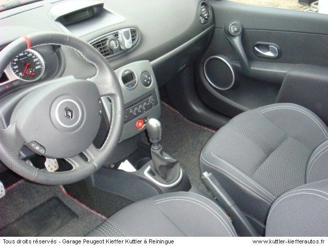 RENAULT CLIO RS 200CV 2006 - Voiture d'occasion