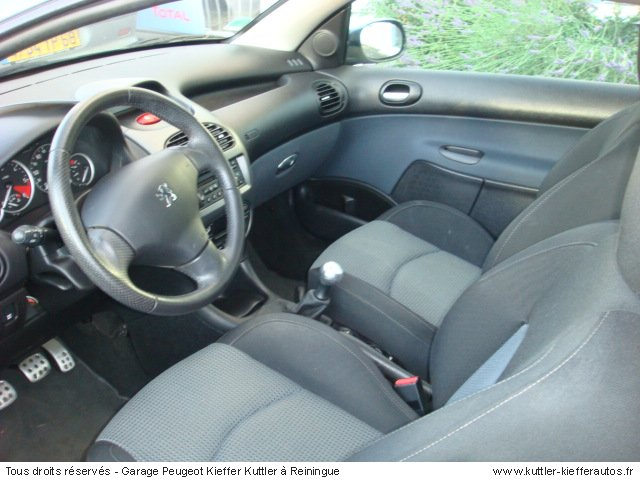 PEUGEOT 206 CC SPORT PACK HDI 110CV 2005 - Voiture d'occasion