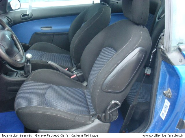 peugeot 206 cc 1 6 16v 110cv 2002 occasion auto peugeot 206 cc. Black Bedroom Furniture Sets. Home Design Ideas