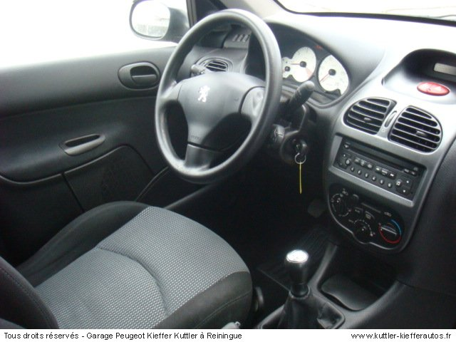 peugeot 206 sw 2l hdi xline clim 2005 occasion auto. Black Bedroom Furniture Sets. Home Design Ideas
