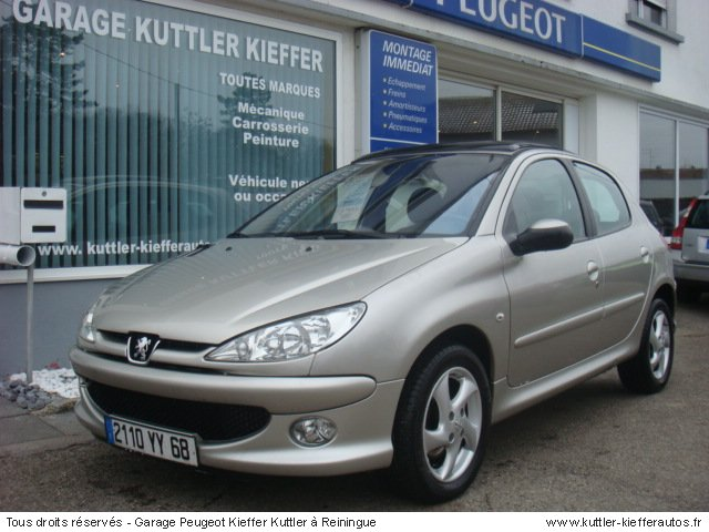 PEUGEOT 206 1.6L HDI 110 CV EXECUTIVE PACK 2006 - Voiture d'occasion