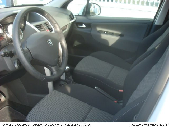 PEUGEOT 207 1.6L HDI 90 CV 99G 2010 - Voiture d'occasion