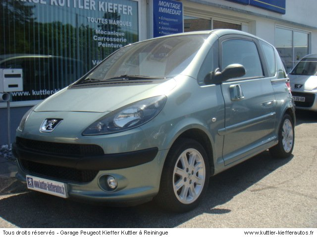 PEUGEOT 1007 1.6L 16V 2 -TRONIC SPORTY 2005 - Voiture d'occasion