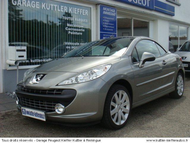 peugeot 207 cc 1 6l vti 120cv sport pack 2009 occasion auto peugeot 207 cc. Black Bedroom Furniture Sets. Home Design Ideas