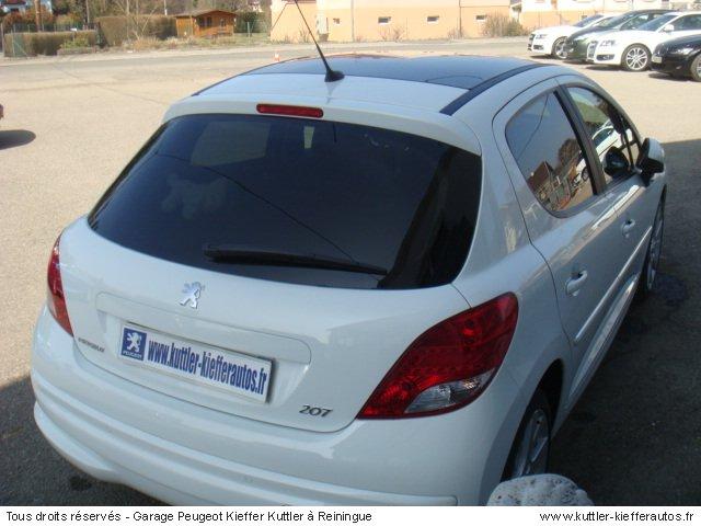 PEUGEOT 207 1.6L HDI 112CV BV6 FELINE 5PT 2011 - Voiture d'occasion