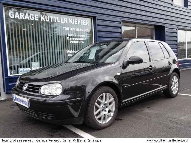 VOLKSWAGEN GOLF 4 V5 BVA 170CV ESSENCE 2001 - Voiture d'occasion