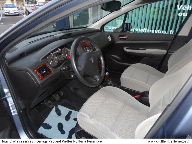 peugeot 307 xt premium 1 6l hdi 110 cv 2005 occasion. Black Bedroom Furniture Sets. Home Design Ideas