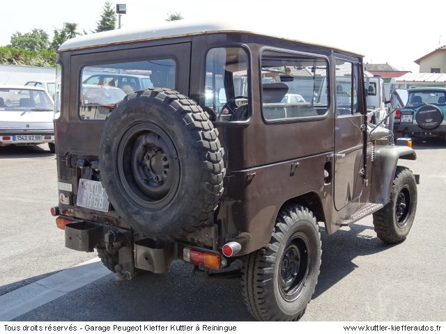 TOYOTA LAND CRUISER FJ 40 1975 - Voiture d'occasion
