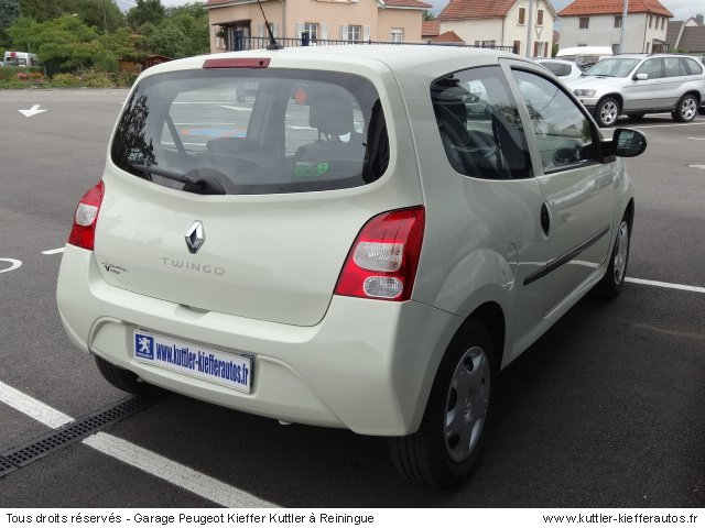 renault twingo 2 1 2l 16v expression 2011 occasion auto. Black Bedroom Furniture Sets. Home Design Ideas