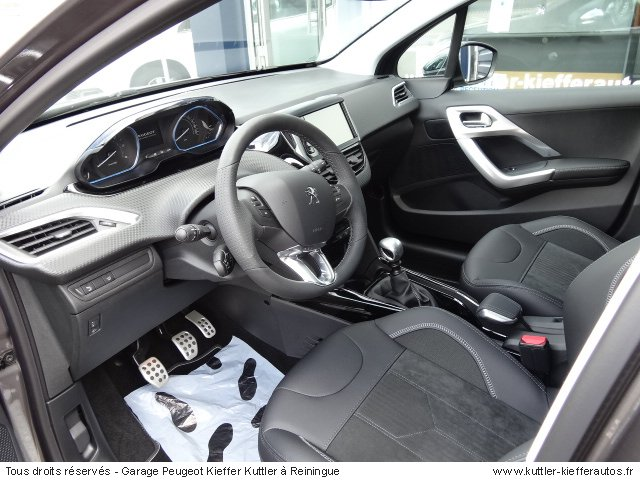 peugeot 2008 grip control hdi 120cv 2016 occasion auto peugeot 2008. Black Bedroom Furniture Sets. Home Design Ideas